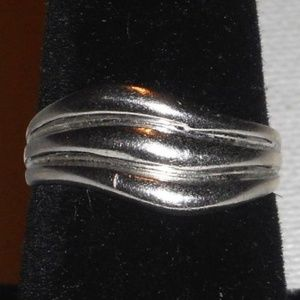 Jewelry - Vintage 925 Sterling Silver Wavy Ring